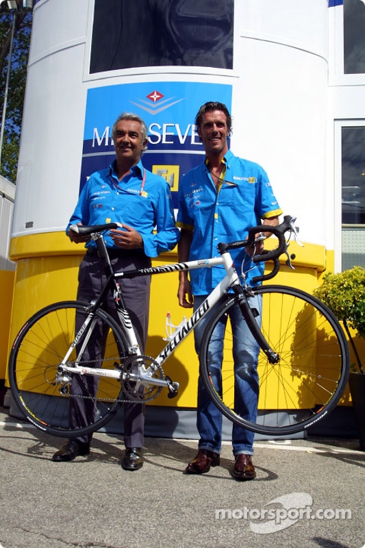 Le cycliste Mario Cipollini et Flavio Briatore