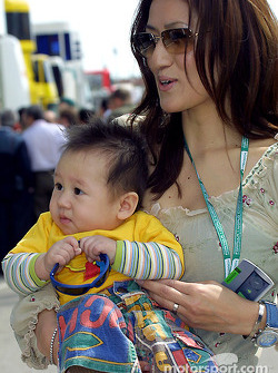 Mika Salo's wife Noriko and son Max