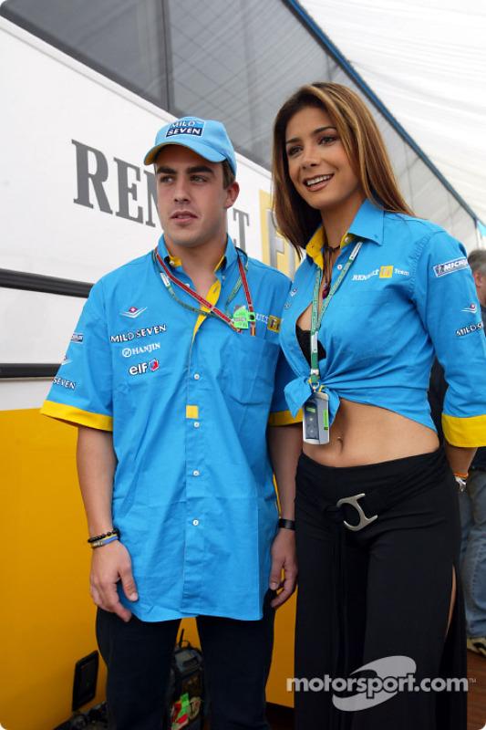 Fernando Alonso y la cantante mexicana de pop, Patricia Manterola
