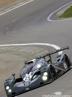 Bentley EXP Speed 8 in the Esses