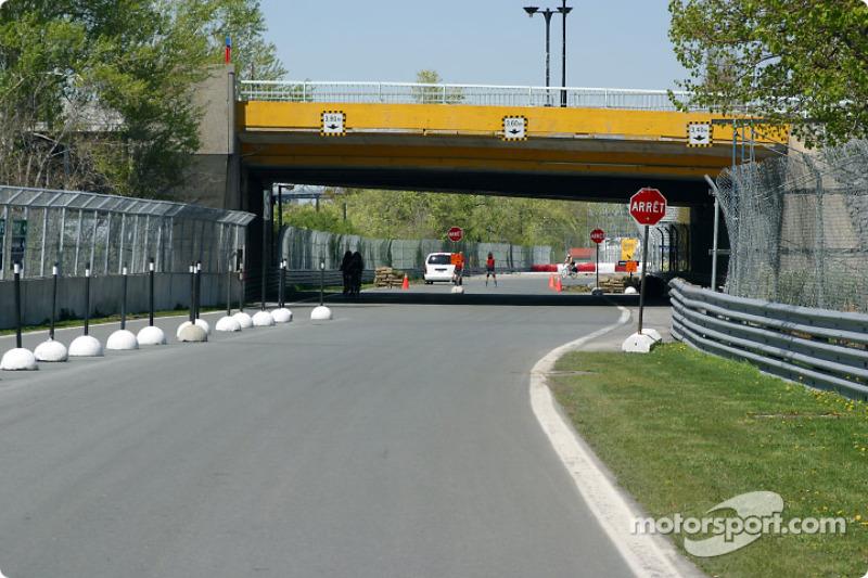 Towards curve 8