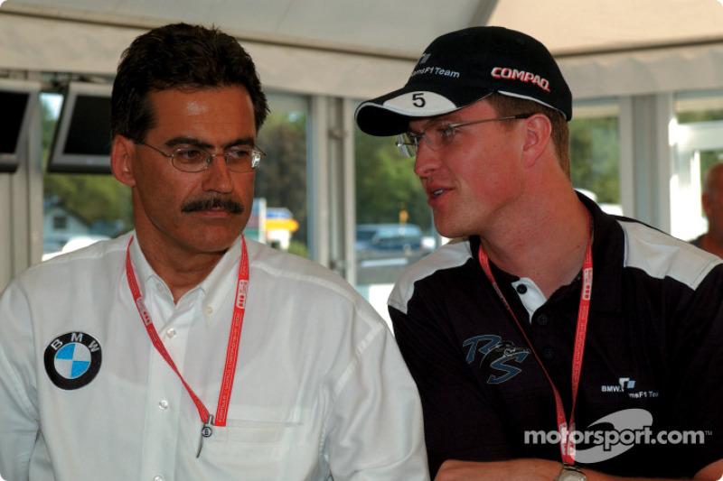 El director de BMW Motorsport, Dr. Mario Theissen con Ralf Schumacher
