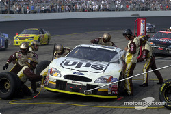 Pitstop for Dale Jarrett