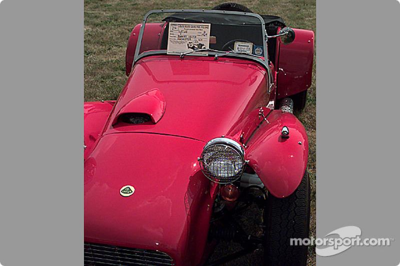 Lotus 7 red