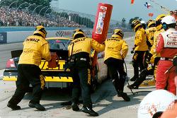 Team Dewalt quick pit stop