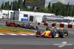 Marc Breuers leading a group of cars