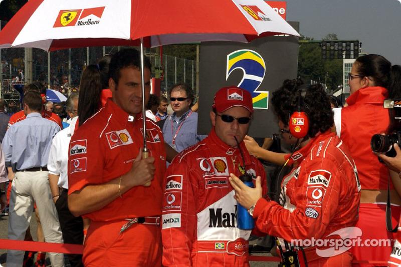 Rubens Barrichello en la parrilla de salida