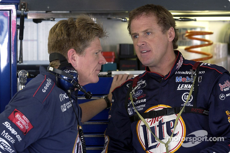 Rusty Wallace habla con Jeff Thousand
