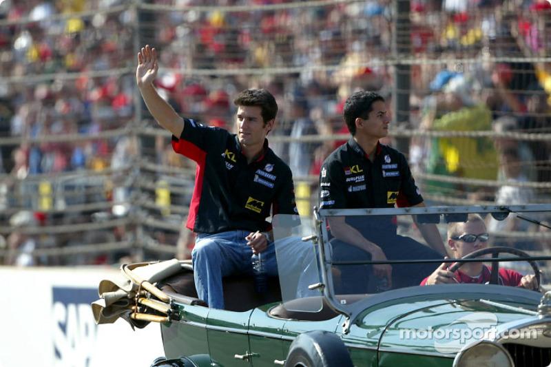 Desfile de pilotos: Mark Webber y Alex Yoong