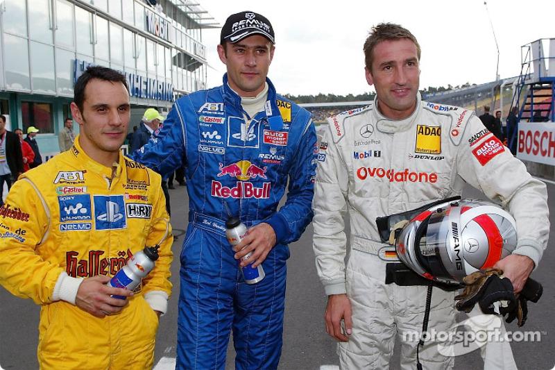 Los tres mejores en la clasificación: Laurent Aiello, Karl Wendlinger y Bernd Schneider