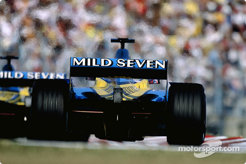 The two Renault F1s head for starting grid