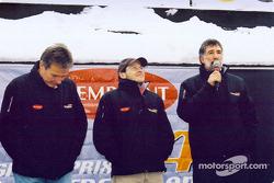 Craig Pollock y Jacques Villeneuve en la ceremonia de presentación