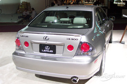 Lexus IS-300