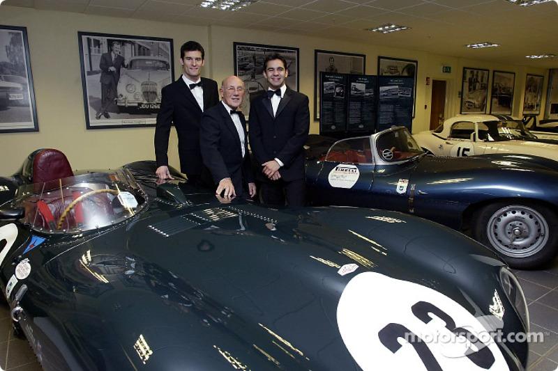 Sir Stirling Moss posa con los pilotos Jaguar de F1, Mark Webber y Antonio Pizzonia en el lanzamiento del NSPCC Coventry Campaign