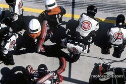 BAR pitcrew waits for Jenson Button