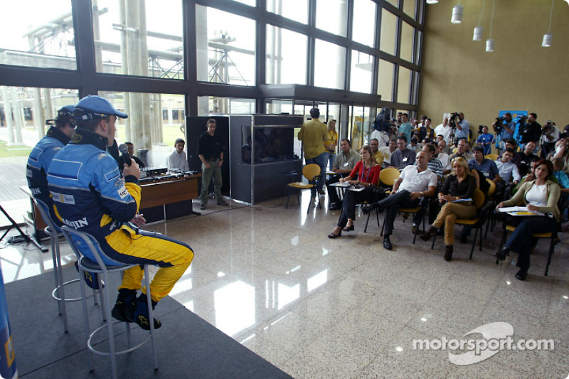 Visit of the Ayrton Senna Renault Factory in Curitiba: press conference with Fernando Alonso and Jar