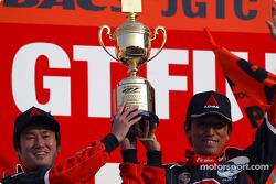 GT300 winner #26 Shinichi Yamaji/Kazuyuki Nishizawa