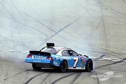 Jimmy Spencer spins out