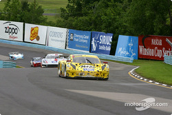 Start: #8 G&W Motorsports BMW Picchio DP2: Darren Law, Andy Lally, Geoffrey Bodine