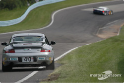 #40 Planet Earth Motorsport-Porsche 911