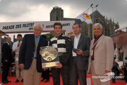 Rookie of Le Mans 2003 Award to Tristan Gommendy