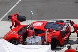 #33 Scuderia Ferrari of Washington pitstop