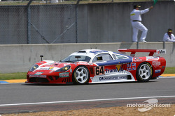 #64 Graham Nash Motorsport Saleen S7-R: Pedro Chaves, Mike Newton, Thomas Erdos heads to the starting grid