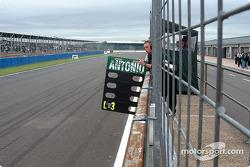 Antonio Pizzonia's pitboard