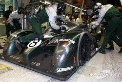Pitstop for #8 Team Bentley Bentley Speed 8: Johnny Herbert, David Brabham, Mark Blundell