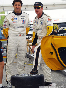 Ron Fellows and Johnny O'Connell discuss things during a break