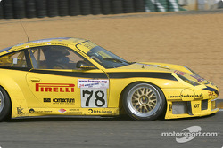 #78 PK Sport LTD Porsche 911 GT3 RS: Robin Liddell, David Warnock, Piers Masarati