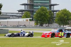Autotausch: Jeff Gordon im Williams-BMW aus der Formel 1; Juan Pablo Montoya im Hendrick-Chevrolet aus der NASCAR