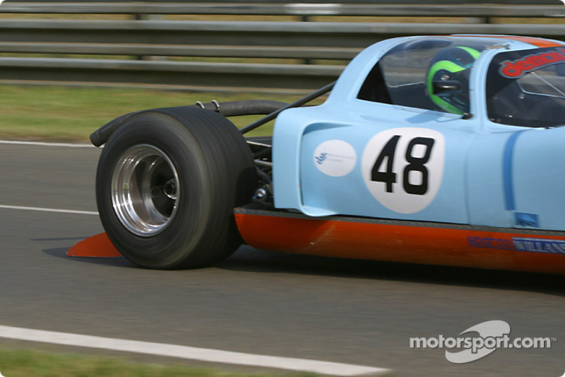 #48 Chevron B16: Jon Minshaw, Martin Stretton