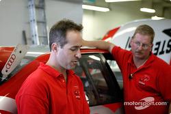 STaSIS team owner Paul Lambert discusses car setup with the crew