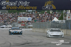 Scott Pruett takes the checkered flag