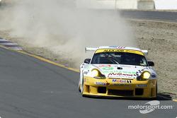 la Porsche 911 GT3RS n°24 de l'équipe Alex Job Racing pilotée par Timo Bernhard, Jorg Bergmeister