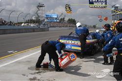 #33 Paul Menard-spilled fuel-no fire