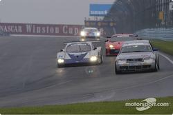 #04 Istook/Aines Motorsport-Audi S4 - into turn one