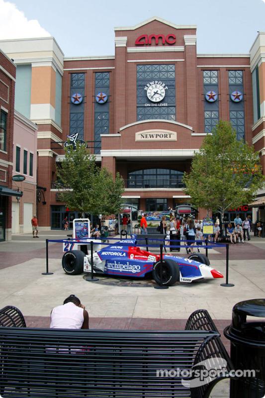 Une voiture Andretti Green exposée durant le Newport Festival