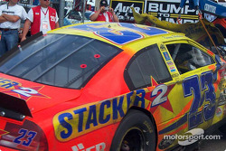 Kenny Wallace's car on the hook