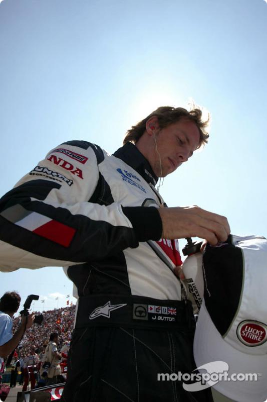 Jenson Button en la parilla de salida