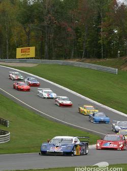 Départ : la #58 Brumos Racing Porsche Fabcar de David Donohue, Mike Borkowski et Sascha Maassen mène le peloton
