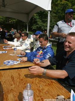 Drivers autograph session: David Donohue