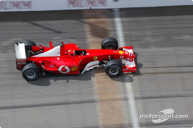 """2003 - Michael Schumacher, Ferrari (<a href=""""http://fr.motorsport.com/f1/photos/main-gallery/?r=19473"""">Galerie</a>)"""