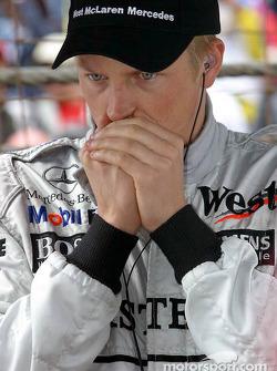 Kimi Raikkonen on the starting grid