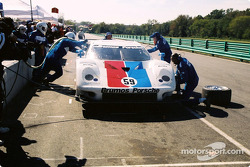 Pitstop for #59 Brumos Racing Porsche Fabcar: Hurley Haywood, J.C. France