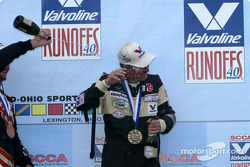 Podium: champagne for race winner Kent Prather