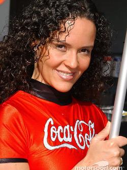 Une mignonne Coca-Cola girl