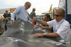 Autograph session: Frank Biela