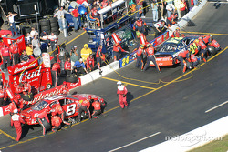 Pitstops for Jeff Gordon and Dale Earnhardt Jr.